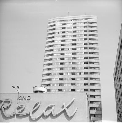 Fasada budynku i jeden z punktowców Ściany Wschodniej, fot. Grażyna Rutowska/NAC